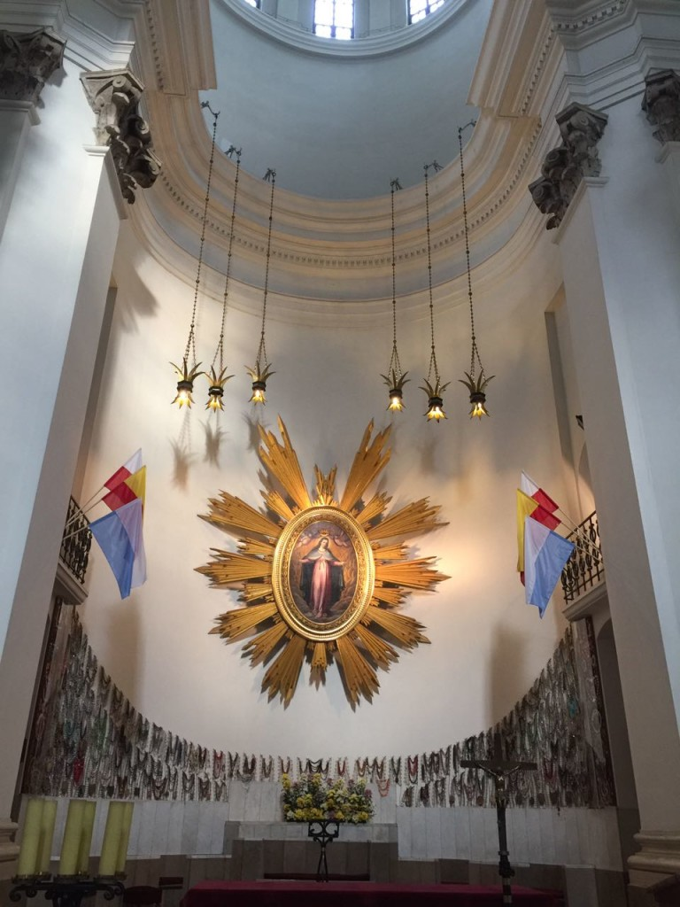 Sanktuarium Matki Bożej Łaskawej, Varsóvia.