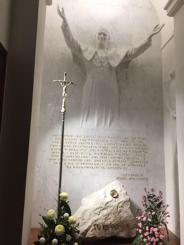 Memorial em homenagem ao Papa João Paulo II.